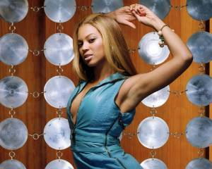Beyonce in Sexy Blue Dress